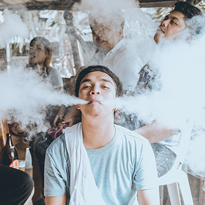 A Guide To Vaping Etiquette